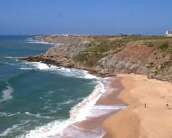 Concluídas obras em praia de Peniche onde ocorreu derrocada em 2011