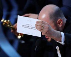 """La la land"" foi anunciado por engano, ""Moonlight"" vence Óscar de Melhor Filme"